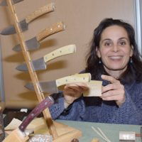 La coutellerie L'Oyack présentée par Anne Florence Lepri- Photo : Michel Fortier